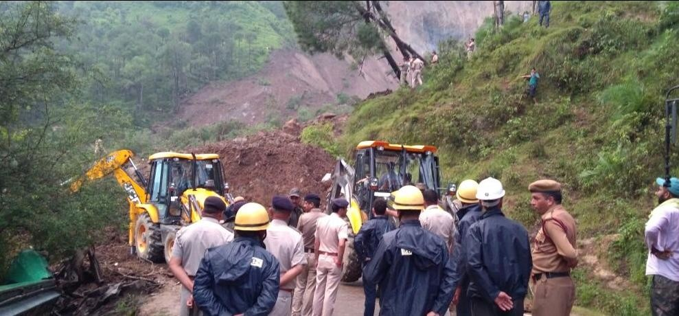 many died in landslide in himachal pradesh mandi rescue operations underway