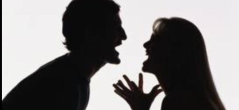 woman found her husband with girlfriend