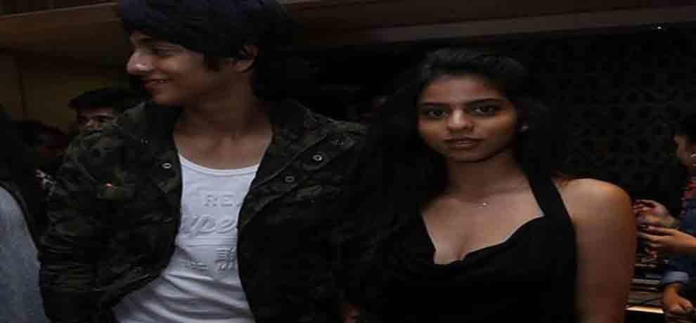 shahrukh khan daughter suhana is looking fabulous in her new fashion of metal boots
