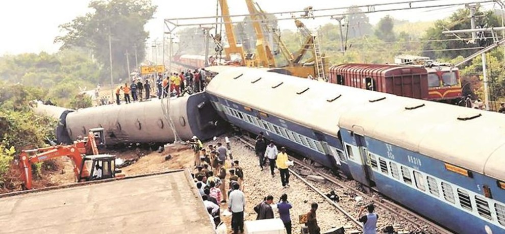 in last five year more than 53 percent rail accident because of derailment