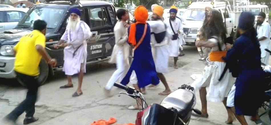 Clash between two group in Batala, Punjab News