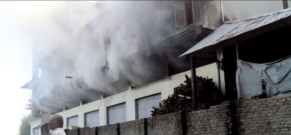 Himachal mandi ayurvedic medicine factory gutted by fire