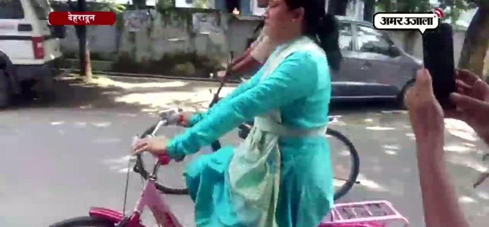 Uttarakhand minister rekha arya cycle ride, inspect preparations of cycle rally