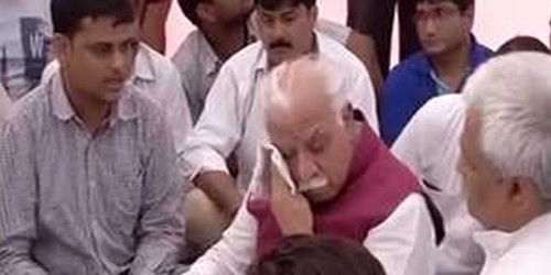 Chief Minister Khattar tears came out after seeing Pradyuman family pain