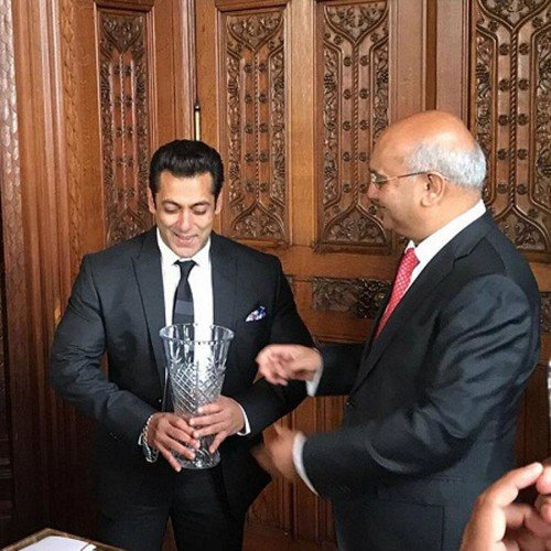 Salman Khan honoured by UK House of Commons with an award