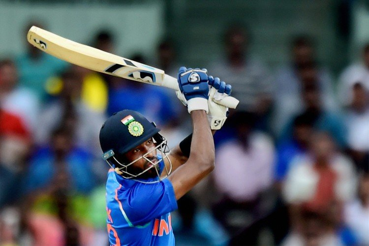 India vs Australia 1st ODI: hardik pandya hits 3 consecutive sixes on Adam zampa