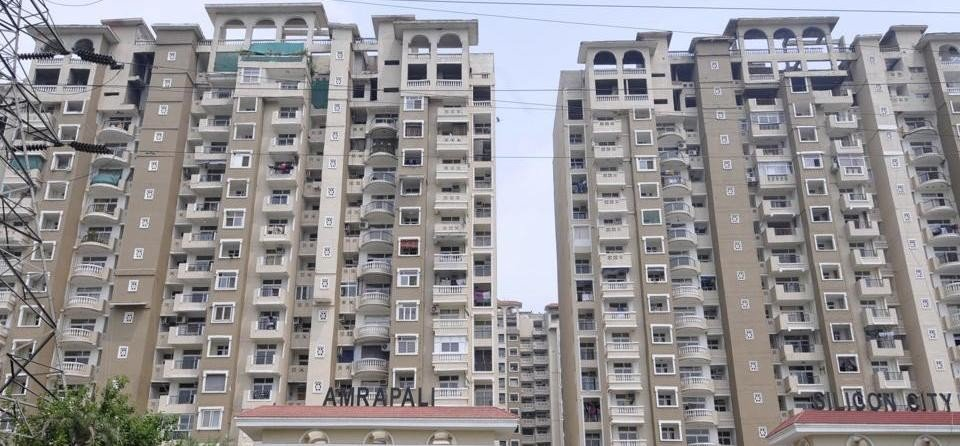 Supreme Court issues notice to Center and Amrapali Group on the petition of home buyers