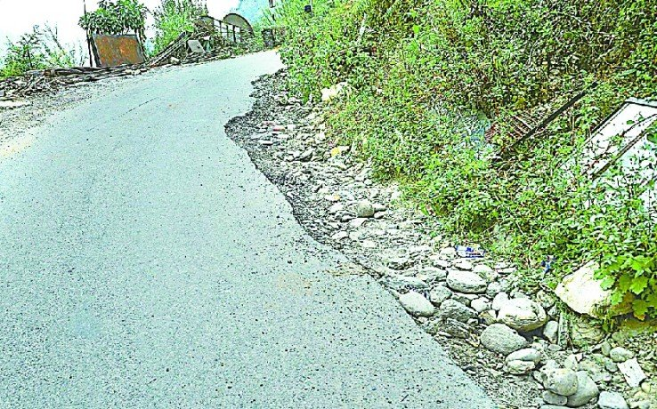 thal-deedeehaat road condition worsened