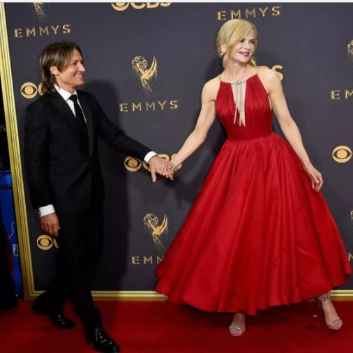 Emmys 2017: Famous actress locks lips with actor Alexander Skarsgard in front of her husband