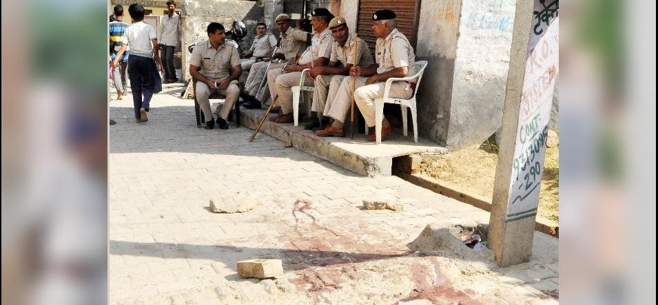 five people killed in faridabad after two group clash