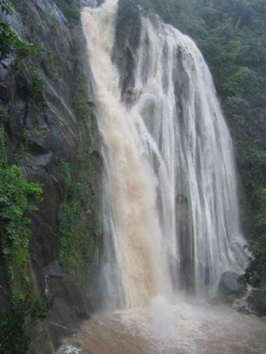 the scenic views in pictures of bheel ki beri waterfall