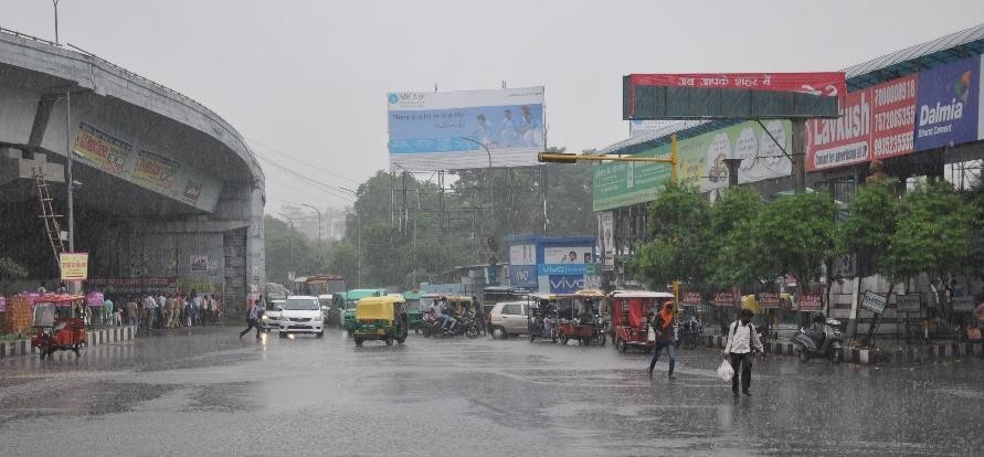 rain changes weather in Lucknow pics