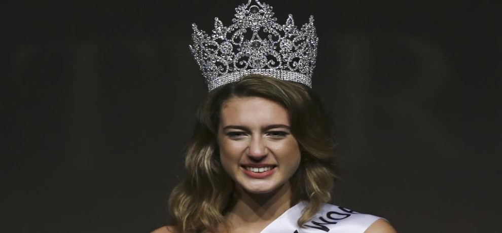 Miss Turkey 2017 lose her crown for a disputed tweet