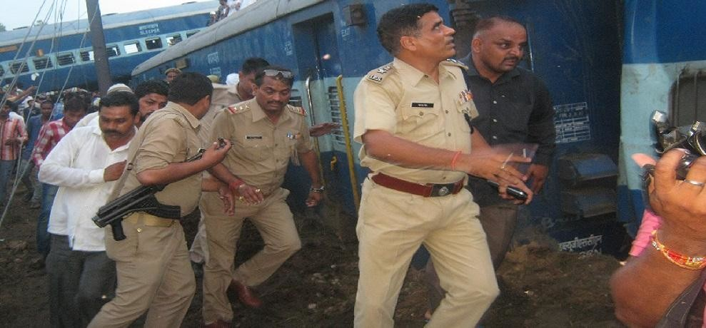 Janata Express survived the accident, travelers scream