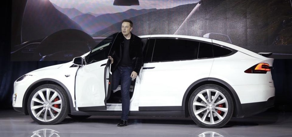 Electric Car Maker Tesla Talks with Government to Enter in India