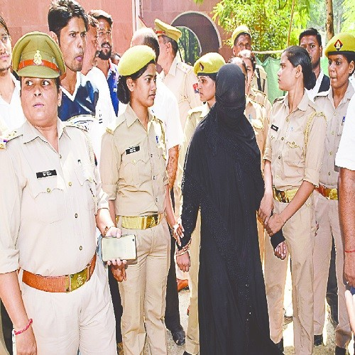 Photos: love jihad noise... first try conversion again court marriage, ruckus