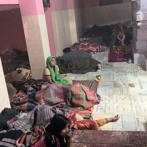 Image result for इस मंदिर के फर्श पर लेटते ही गर्भवती हो जाती हैं निःसंतान महिलाएं