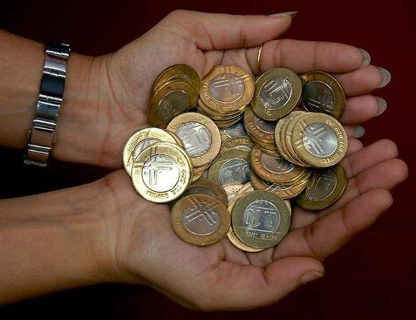 new ten rupee coins creating trouble after demonetization