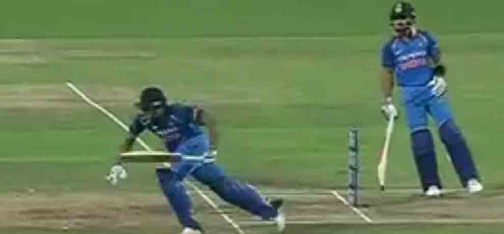 Rohit Sharma run-out after false calling with Virat Kohli