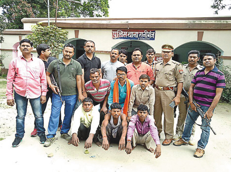 three kidnaped for extorsion, 3 arrested