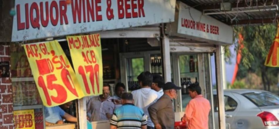Salesmen beaten up for overrate liquor price