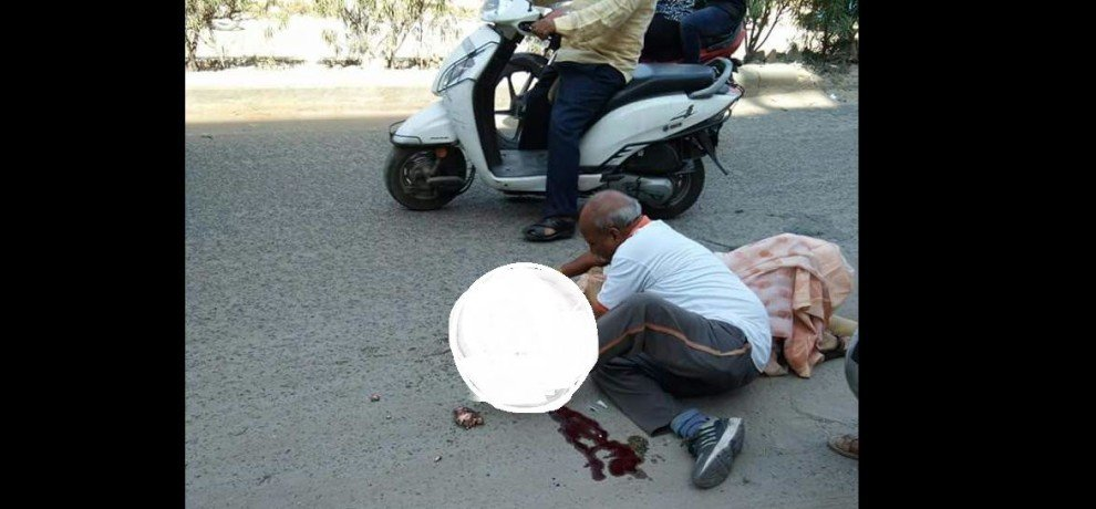 A women got death in road accident in jaipur rajasthan