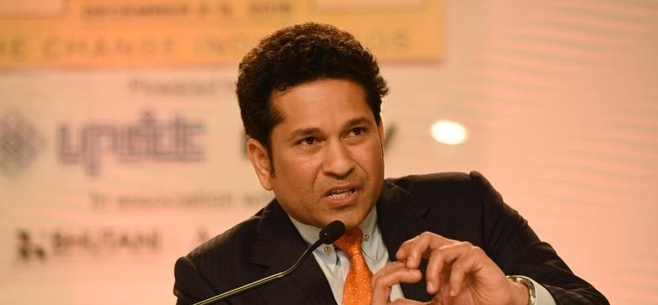 sachin Tendulkar reached lucknow airport