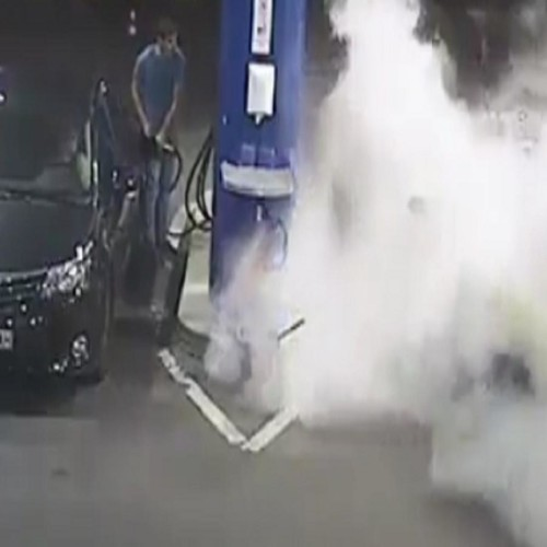 man refused to put off cigarette than gas station employee did this