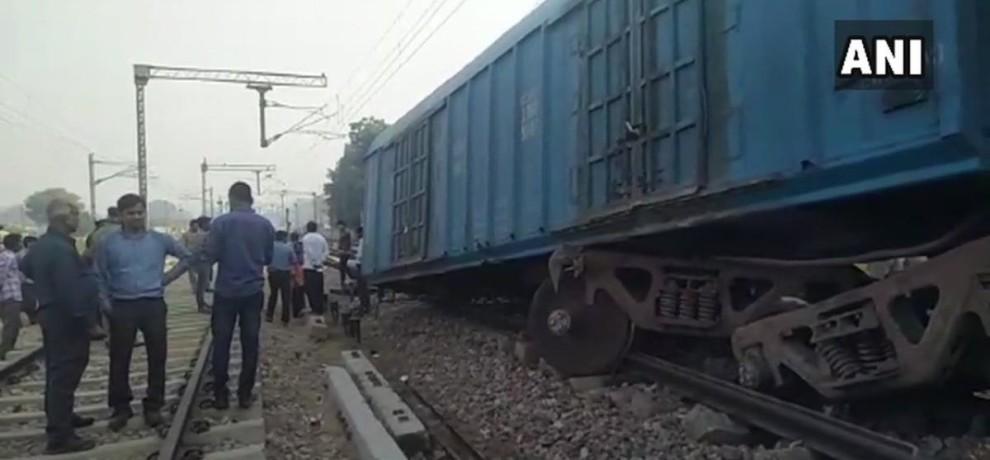 3 coaches of a goods train derailed on Mathura
