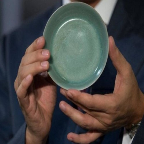 This small bowl auctioned 248 crore rupees in Hong Kong