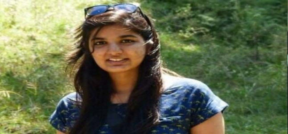 Pallavi Vikamsey ICAI president Nilesh daughter found dead on mumbai railway track
