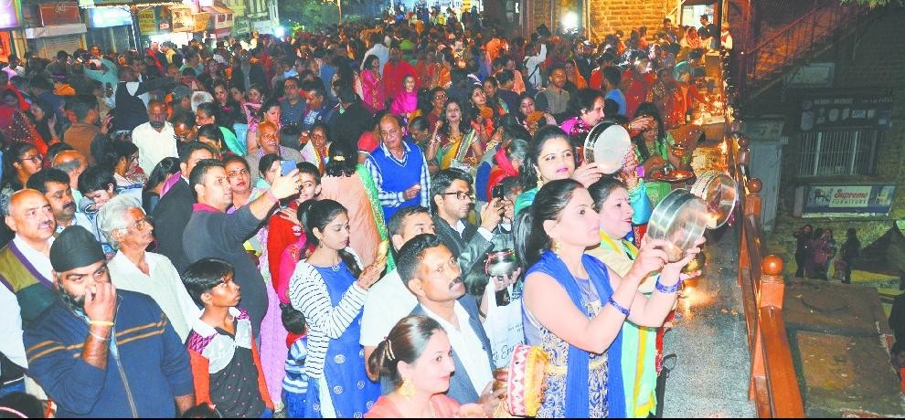 karva chauth celebrated in shimla at ridge by married women