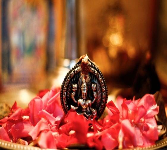 Diwali 2017 Why Offered Lotus Flower During Goddess Lakshmi Puja