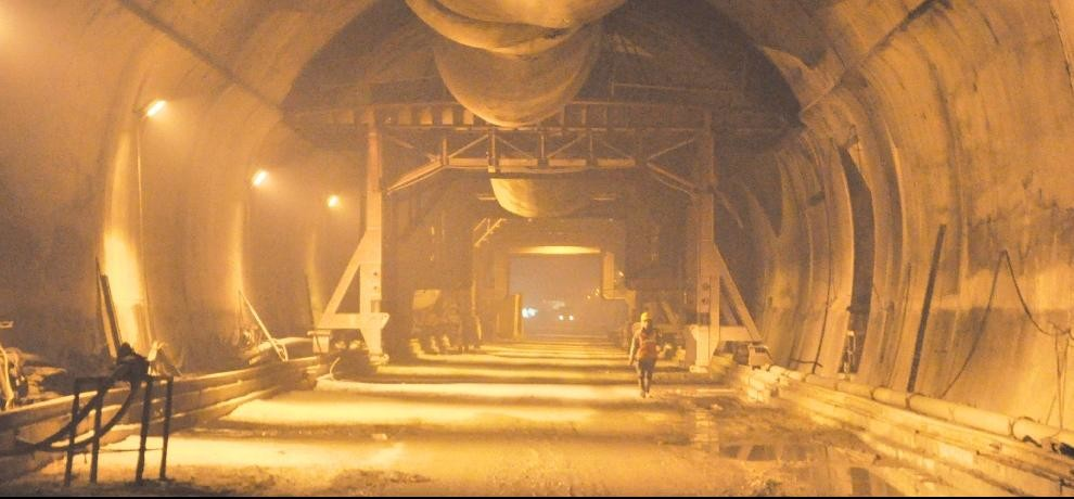 digging work of most awaited rohtang tunnel completed