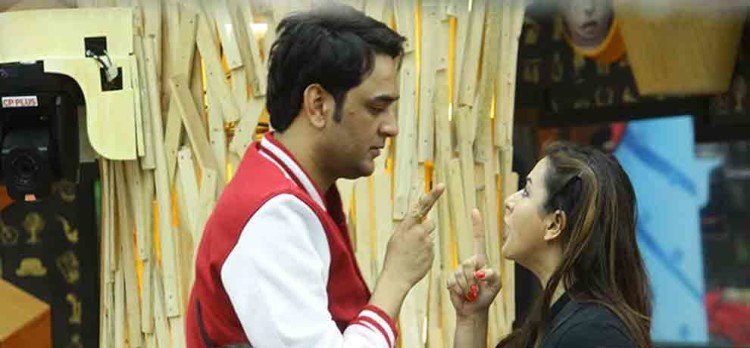BIGG BOSS 11 NOW SHILPA SHINDE AND VIKAS GUPTA BECOMES BEST FRIENDS AND CHANGE THE TWIST