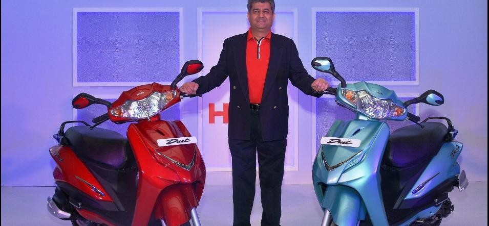 hero motocorp became only two wheeler company to sell 2 million bikes in single quarter