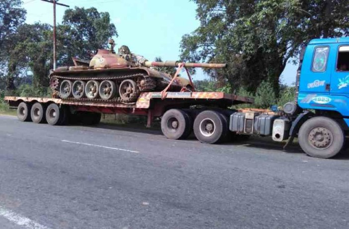ARMY GIFTED BATTLE TANK TO AZAM KHANs UNIVERSITY