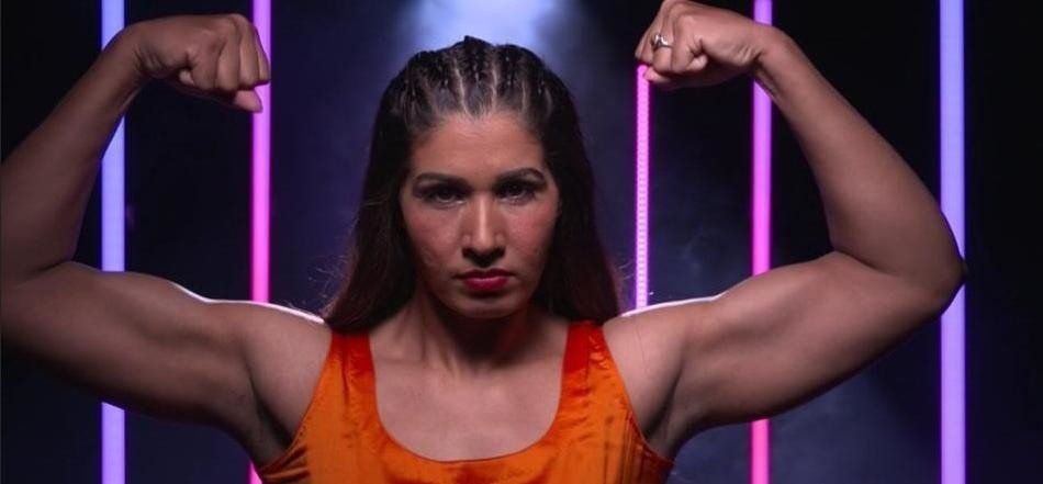 first indian wrestler in wwe, kavita dalal signed contract with wwe