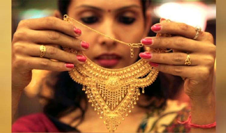 gold demands down by 24 percent in last quarter due to gst