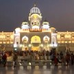WATCH GOLDEN TEMPLE GLITTERS IN DIWALI LIGHTS IN PUNJAB