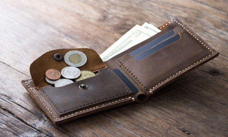 never keep these five things in your wallet