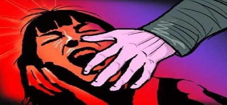 mathura minor girl molested by old man