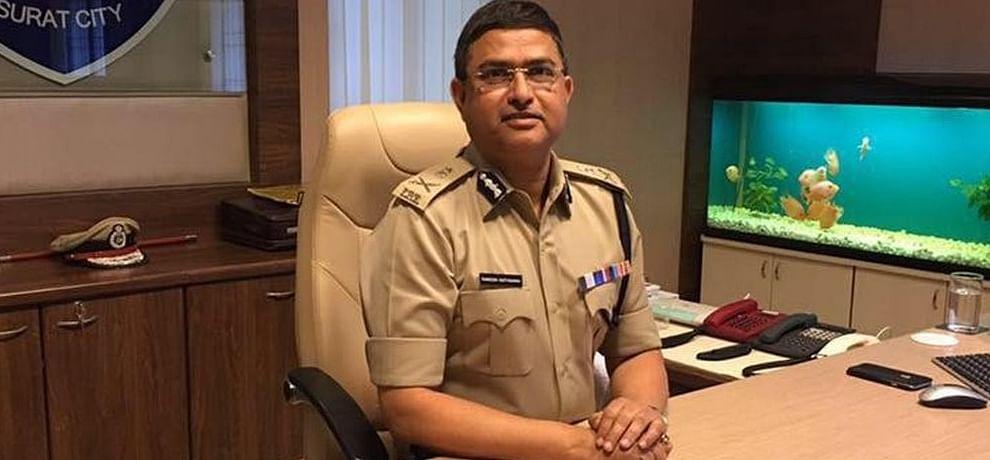 Image result for CBI के अधिकारियों में घूस कांड को लेकर सुप्रीम कोर्ट पहुंचे आलोक वर्मा, 26 को सुनवाई