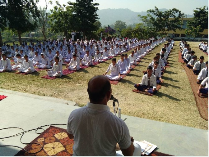 Patanjali Yoga Committee taught students to overcome stress by yoga