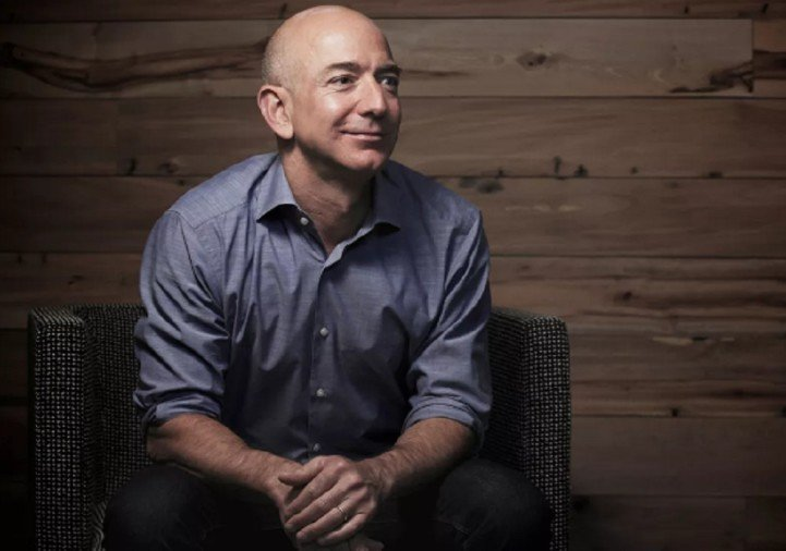 Amazon CEO Jeff Bezos is the worlds richest man know more facts of his life