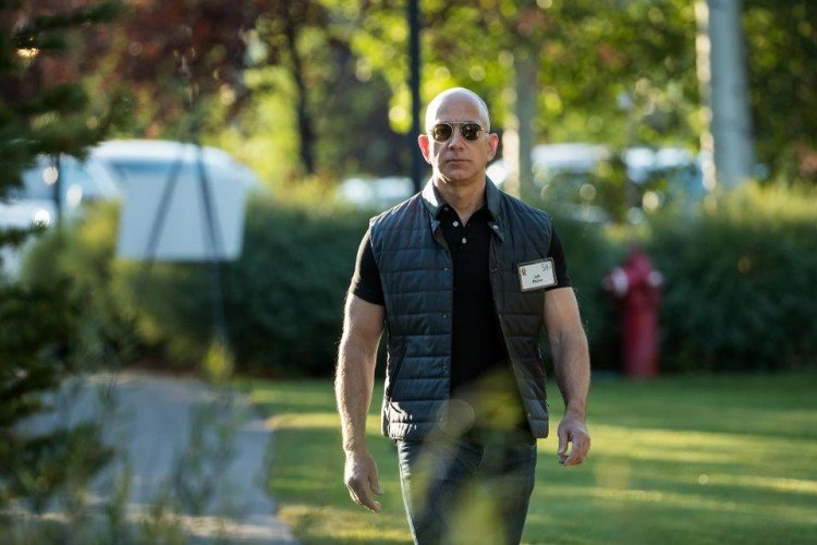 amazon founder jeff bejos lost 9 billion dollar in one night