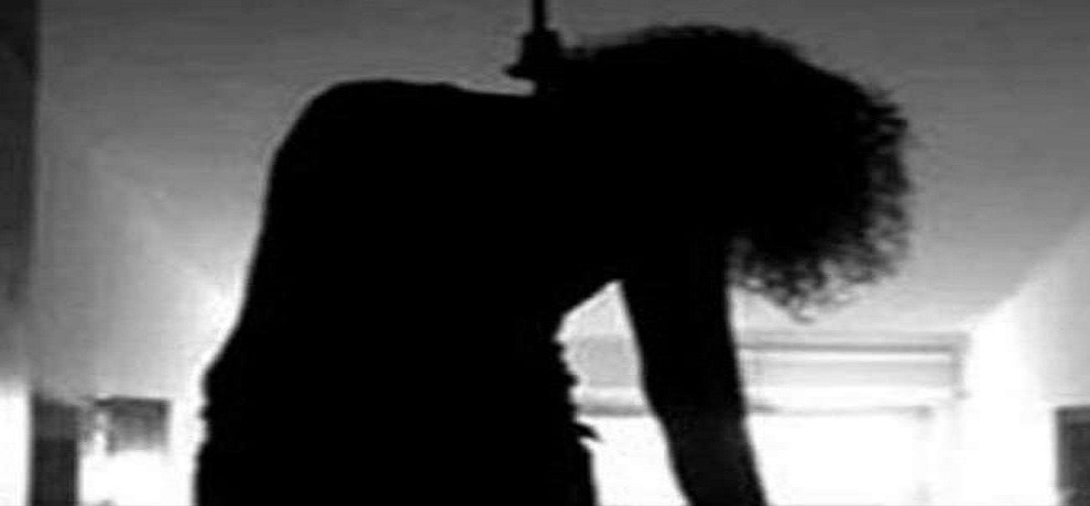 Honor Killing in Bihar, dead body of two sisters found hanging on tree