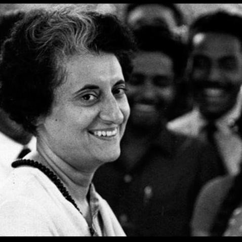 situation when 80 bottles blood donated to former PM Indira Gandhi