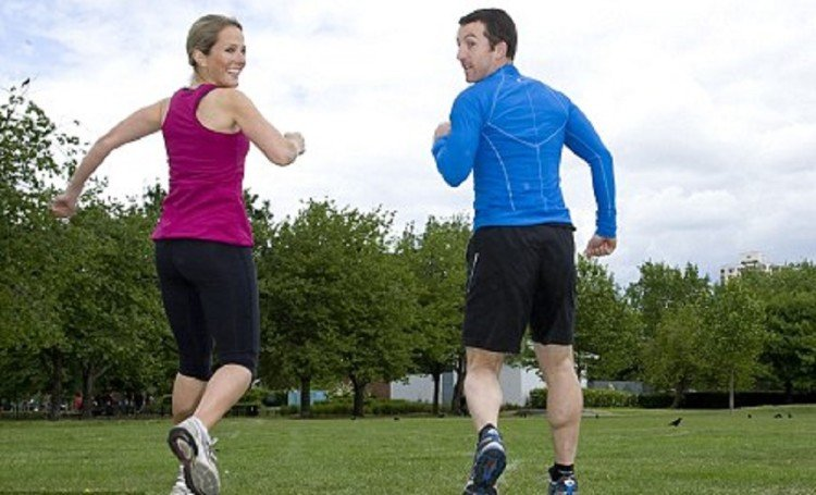 Backward running is more beneficial to loose weight and keep you fit
