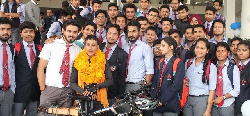graphic era university student pardeep make world record in cycling